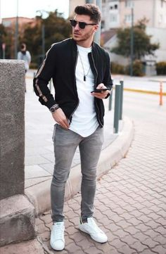 Mens Outfits mens urban style outfits with the growing growth and Mens Outfits. Here is Mens Outfits for you. Mens Outfits 9 casual mens outfits to borrow ideas from this weekend. Mens Outfits the most stylish all bl. Urban Style Outfits Men, Style Men, Trendy Style, Men's Style, Classy Style, Black Style, Mode Swag, Mode Streetwear, Streetwear Jeans