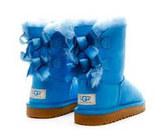 blue uggs with bows:) Snow Boots, Ugg Boots, Cute Uggs, Uggs With Bows, Casual Outfits, Cute Outfits, Little Girls, Christmas Gifts, Blue