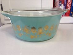 VERY RARE VINTAGE PYREX CLOVERBERRY CASSEROLE 475 WITH LID