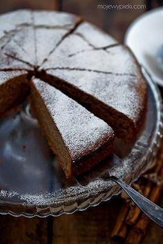 Cinnamon yogurt cake