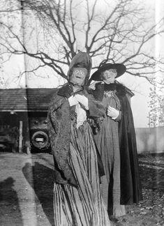 vintage old halloween costumes