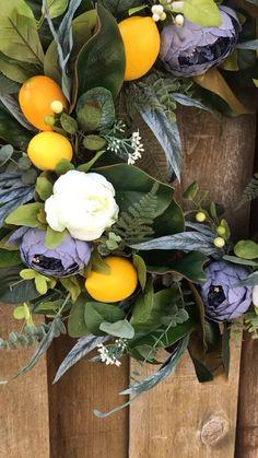 Front Door Decor, Wreaths For Front Door, Door Wreaths, Diy Spring Wreath, Diy Wreath, Lemon Wreath, Modern Wreath, Magnolia Wreath, Greenery Wreath