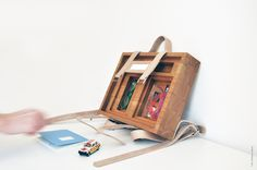 Box couture by Dombon-a-tanya Box Couture, Wooden Bag, Made Of Wood, Magazine Rack, Woodworking, Storage, Creative, Diy, Bags