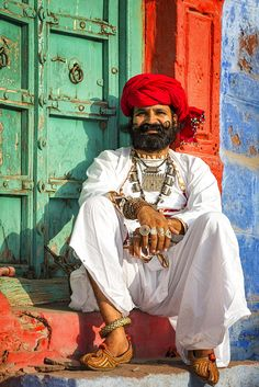 Rajasthani man dressed in traditional clothes Jodhphur Rajasthan India Asia Rajasthani Art, Rajasthani Dress, Rajasthani Photo, India Asia, Rajasthan India, We Are The World, People Of The World, Rajasthan Clothes, Amazing India