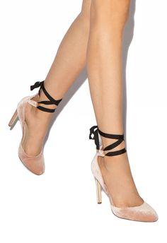 68cc13a01f7 56 Popular ShoeDazzle Footwear images