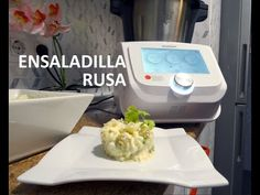 Receta de Ensaladilla Rusa Monsieur Cuisine Connect Lidl Silvercrest - YouTube Lidl, Keurig, Youtube, Russian Salad Recipe, Cold Appetizers, Cooking Recipes, Frozen Peas, Food Processor, Food