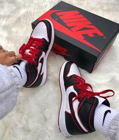 Moda Sneakers, Cute Sneakers, Shoes Sneakers, Jordans Sneakers, Shoes For Men, Sneakers Mode, Kd Shoes, Footwear Shoes, Yeezy Shoes
