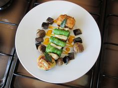 JHS /  Pollo  e  verdure miste  arrosto  salsa  acidula alle carote  Gino D'Aquino