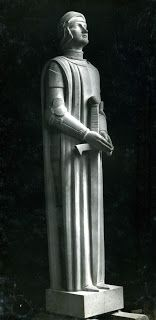 Élie-Jean Vézien, Jeanne d'Arc, statue pierre, 1932 Ossuaire de Douaumont, Meuse Jeanne D'arc, French Sculptor, Joan Of Arc, Sculptures, France, Sacred Art, Statues, Theatre, Places