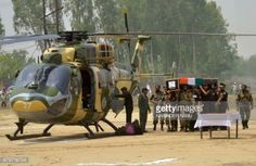 05-02 Indian Army personnel carry the coffin of Indian Army... #mamaivcivillage: 05-02 Indian Army personnel carry the… #mamaivcivillage