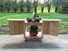DIY Rolling Miter Saw Table With Expandable Support Side Wings - Addicted 2 Decorating® Home Made Table Saw, Diy Table Saw, A Table, Wood Table, Dining Table, Miter Saw Table, Table Saw Workbench, Workbench Ideas, Folding Workbench