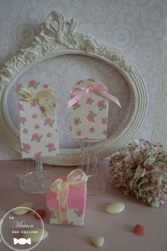 Collection de contenants à dragées liberty, des motifs frais et raffinés pour le baptême de votre petite fille. http://www.maison-des-delices.fr/detail2.php?id=407&type=boite