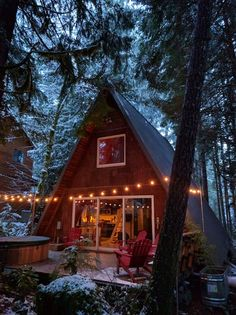 Check out this awesome listing on Airbnb: The Little Owl Cabin at Mt. Rainier NP - Houses for Rent in Packwood - Get $25 credit with Airbnb if you sign up with this link http://www.airbnb.com/c/groberts22