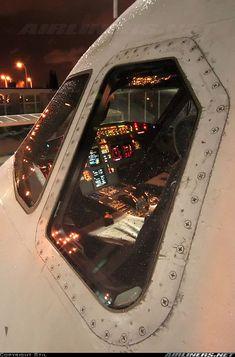 A320 IBERIA cockpit at night