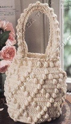 Free diagrams for this lovely crochet bobble bag! Love the bobble pattern!