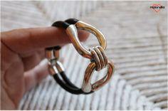 Malonsilla Artesanía @Malonsilla_Arte 2 min  ¡Nuevo diseño de #pulsera! Con forma de 8, muy elegante. Pedidos por mensaje privado o a malonsilla.artesania@gmail.com . #hecha...