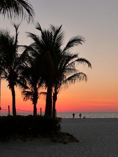 Clearwater Beach, FL I could go for some beach volley ball! <3