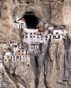 Phugtal Monastery - Zanskar