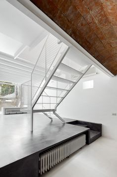 Remodeling a House in Nou Barris / ARQUITECTURA-G
