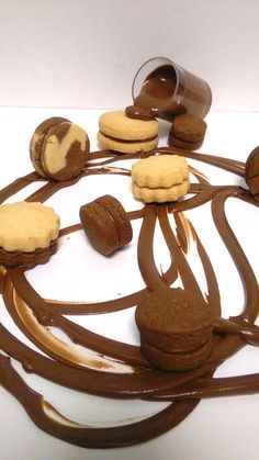 Alfajores | ION Sweets Biscuits, Stuffed Mushrooms, Sweets, Cookies, Vegetables, Cake, Recipes, Food, Sweet Pastries