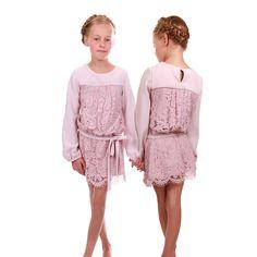 Rosa crepe og blonde kjole med langeærmer