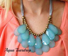 20 Gorgeous Statement Necklaceshttp://www.stylemotivation.com/20-gorgeous-statement-necklaces/