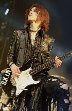 News, rare pictures, gifs, facts and everything related to one of the most awesome bands of metal in the world: X JAPAN. Queen Of The Damned, Guitar Magazine, Gackt, Yohji Yamamoto, Actor Model, Visual Kei, Hyde, Beautiful Men, Beautiful Things