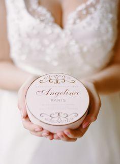 Un mariage américain à Paris, bridal session - Organisation et stylisme : Vanessa & Caroline - Créatrices de Mariages - Lieu et croquembouche: Angelina - La Fiancée du Panda blog Mariage et Lifestyle