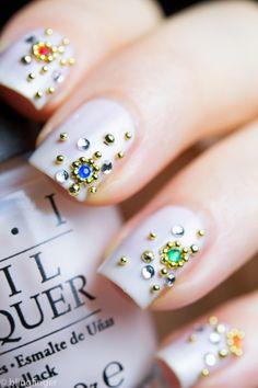 caviar jewel nails