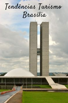 Tendências do Turismo em Brasília #Viagens #Brasília Rio Grande Do Norte, Brasil Travel, Stuff To Do, Things To Do, Cidades Do Interior, Oscar Niemeyer, Paraiba, Marina Bay Sands, Modern Architecture