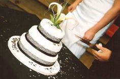 the perfect simple wedding cake