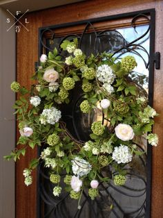 Simply Fabulous Living | {nesting} simple   welcoming spring entryway | http://simplyfabulousliving.com