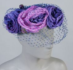 1958, America - Hat by Amy, New York - Artificial roses and veiling on wire base