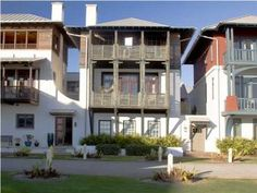 ROSEMARY BEACH, FL: Direct GULF VIEWS!! Beautiful home that sits directly north of the Eastern Green in Rosemary Beach. Second floor living and dining area enjoy incredib...