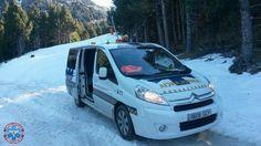 #AMBULANCIAS EN LA #NIEVE.  Aprovechando estos días de temporal de invierno, varios seguidores de la página nos envían algunas fotografías.....http://ambulanciasyemerg.blogspot.com/2015/02/ambulancias-en-la-nieve.html