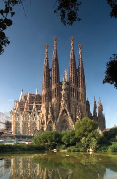 One of the many reasons to visit Barcelona is the incredible Gaudí's Sagrada Familia Cathedral Beach Fun, Beach Trip, Ibiza Nightlife, Visit Barcelona, Cruise Destinations, Cruise Port, Okinawa Japan, Chicago Restaurants, Romanesque