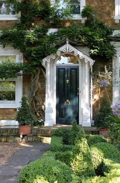Doorway: The Avenue Entrance Doors, Doorway, Gates, I Am The Door, Portal, Richmond Upon Thames, Places In England, English Style, Back Doors