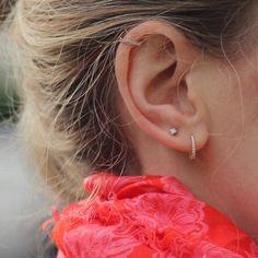 No Piercing Simple Ear Cuff Double Ring Hoop/piercing imitation/fake faux piercing/ear jacket manchette/conch ear wires/ohrklemme ohrclip - Custom Jewelry Ideas Helix Piercings, Double Ear Piercings, Smiley Piercing, Cute Ear Piercings, Piercing Tattoo, Cartilage Piercing Hoop, Helix Piercing Jewelry, Celebrity Ear Piercings, Piercing Ideas