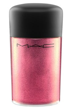 This MAC pigment is a highly concentrated loose pink powder that creates a dramatic effect.