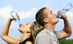 Generally the human body is composed of 65% water, but this proportion varies according to age. Knowing the amount of water in each part of the body will help you how much water you should ingest to keep your body well hydrated.
