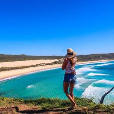 Australia is popular for so many reasons: it's diverse landscape, friendly locals and long list of amazing 'bucket list' experiences. Australia Beach, Visit Australia, Australia Travel, Travel Articles, Travel Advice, Sand Island, Fraser Island, Tourism, Things To Do