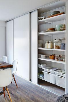 Kitchen Pantry Design, Modern Kitchen Design, Home Decor Kitchen, Interior Design Kitchen, Diy Kitchen, Kitchen Storage, Home Kitchens, Cuisines Design, Home Remodeling