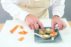 Pommes de terre roseval, saumon fumé et crème citronnée par Alain Ducasse