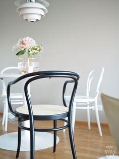 Ton Chair, Wishbone Chair, Minimal Design, Chair Design, Minimalism, Kitchen, Dining Rooms, Inspiration, Furniture
