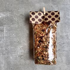 Granola Artesanal a base de avena orgánica, almendras, cranberries y semillas de calabaza; endulzada con miel de abejas pura Cupcakes, Base, Stuffed Peppers, Baking, Collection, Gourmet, Bees, Buttercup Squash, Almonds