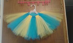 Blue and yellow tutu. Prrtty.