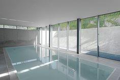 El estudio Christ Christ Associated Architects es el autor de esta vivienda unifamiliar localizada en el centro de la ciudad alemana de Karlsruhe. La propiedad formó parte una vez de una villa situada al norte. De ese pasado histórico, se …