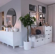 61 minimalist bedrooms ideas with cheap furniture 29 61 minimalist bedroom ideas with cheap furniture 28 Minimalist Bedroom, Cheap Furniture, Bedroom Design, Bedroom Decor, Living Room Decor, House Interior, Room Decor, Room Interior, Apartment Decor