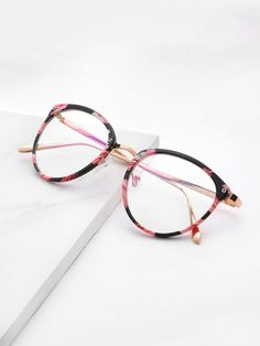 1b658a0ac82 ROMWE offers Skinny Frame Clear Lens Glasses   more to fit your fashionable  needs.