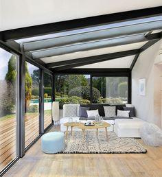 A resolutely modern veranda with this realization of Vie & Véranda.